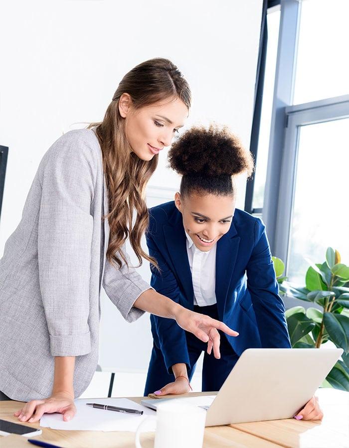 image of businesswomen.